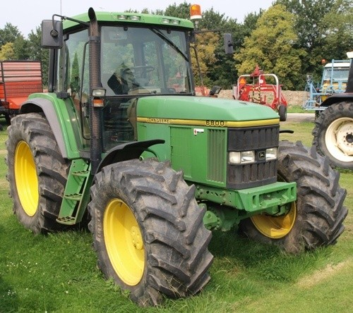 John Deere 6800 and 6900 Tractors Service Repair Manual (tm4516)