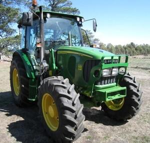 John Deere 5620, 5720 and 5820 2WD or MFWD Tractors Service Repair Manual (tm4787)