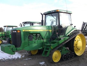 John Deere 8100T, 8200T, 8300T and 8400T Tracks Tractors Diagnosis and Tests Service Manual (tm1622)