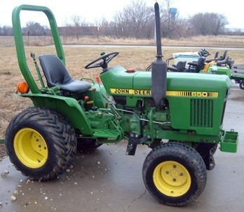 John Deere 550, 554, 5055B, 600, 604, 650, 654, 700, 704 China Tractors Technical Manual (TM701619)