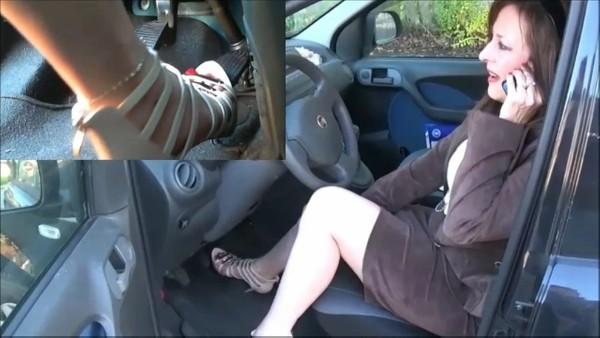 019 : Driving barefoot a Fiat Panda
