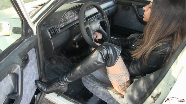 420 : Leather boots Vs Fiat Uno - Starring Miss Tiffany