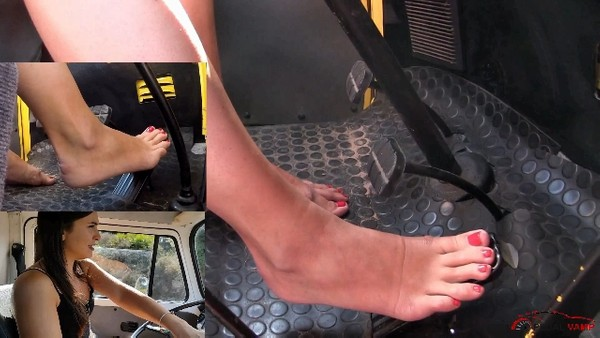 430 :  Holiday in Sardinia - Miss Iris driving barefeet on mountain roads