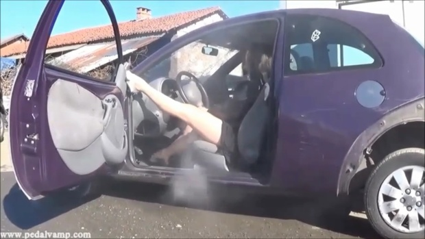 042-2 Vicky and Miss Iris destroy a Ford KA