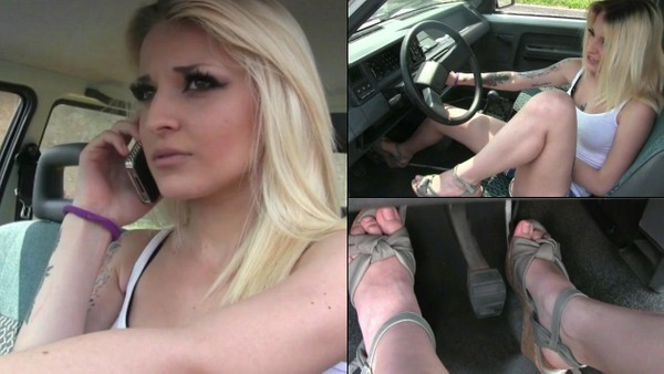 195 : Miss Jasmine cranking troubles with her father's Renault 5