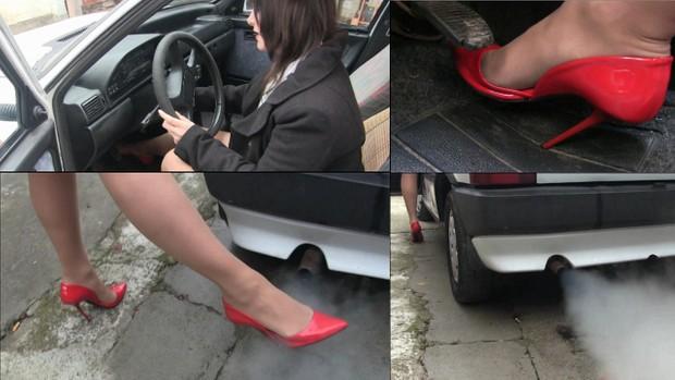 354 : Fiat Uno start and revving test - Starring Miss Iris