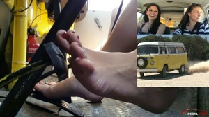 305 : Holiday in Sardinia Video #3 - Crazy girls flooring the gas pedal
