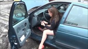 025 : Hard cranking & revving a Renault Megane