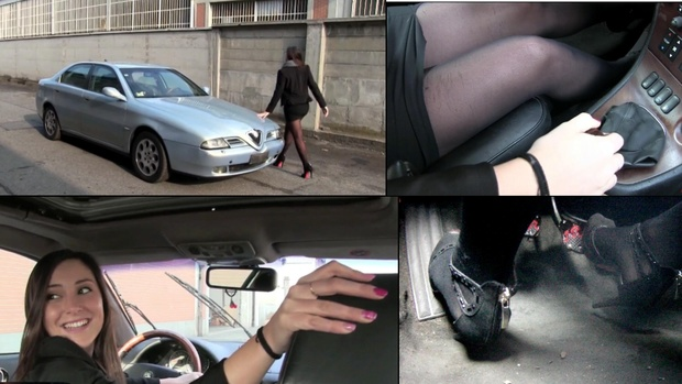133 : Alfa Romeo 166 : Miss Iris drives reverse