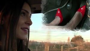 250 : Miss Iris crazy drive in red hot heels