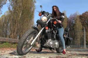 232 : Miss Iris - the Harley Davidson cranking disaster