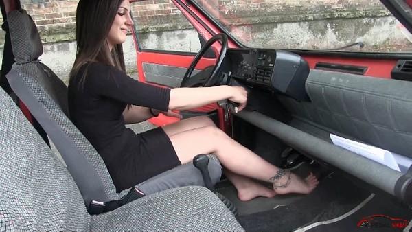 466 : Rusty Fiat Panda for sale - Starring Miss Ninfa