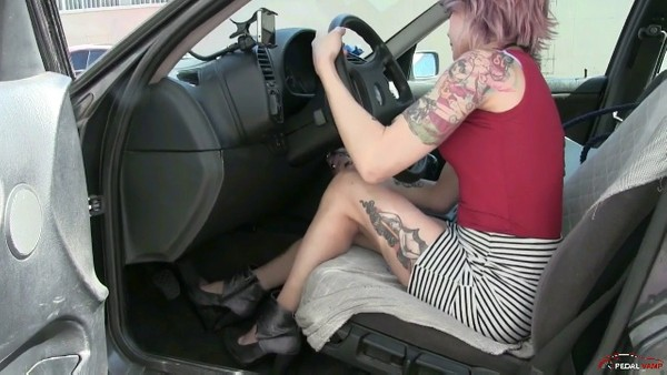 277 : Miss Edmea furiously cranking her dad's BMW