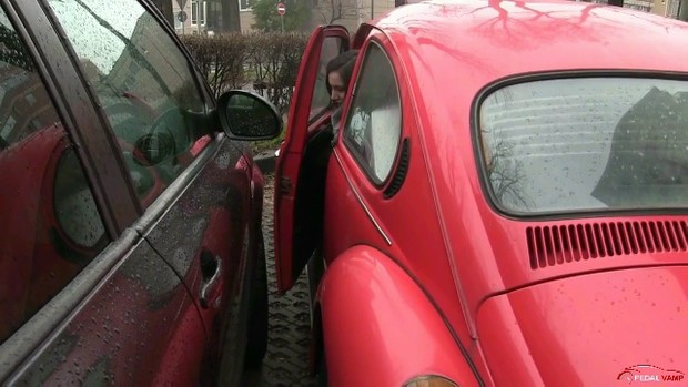 258 : A true story !! NO FICTION !! - Miss Iris scaring trip with the WV Beetle