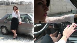 174 Miss Black Mamba drives the Lancia Prisma while smoking