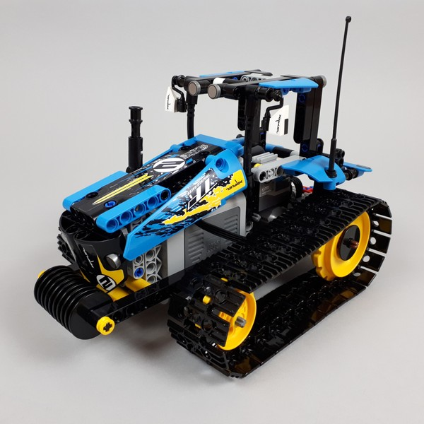 42095 Tracked Tractor