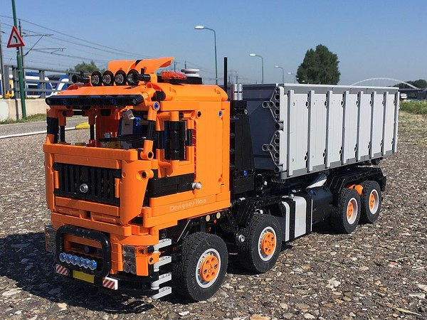 Container Truck