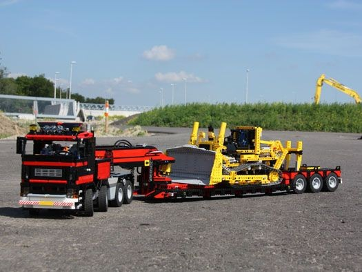 Truck with Lowloader