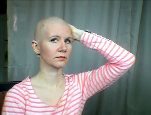 Headshave with Shavette Straight Razor - slightly bloody