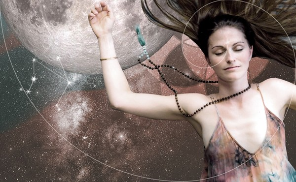 Sunday: Embodied Astrology: Flow & Astro Nidra w/ Jana Roemer - live+ REPLAY - May 31st