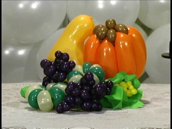 Harvest Feast - Twisting Balloon Recipe by Vicky Kimble