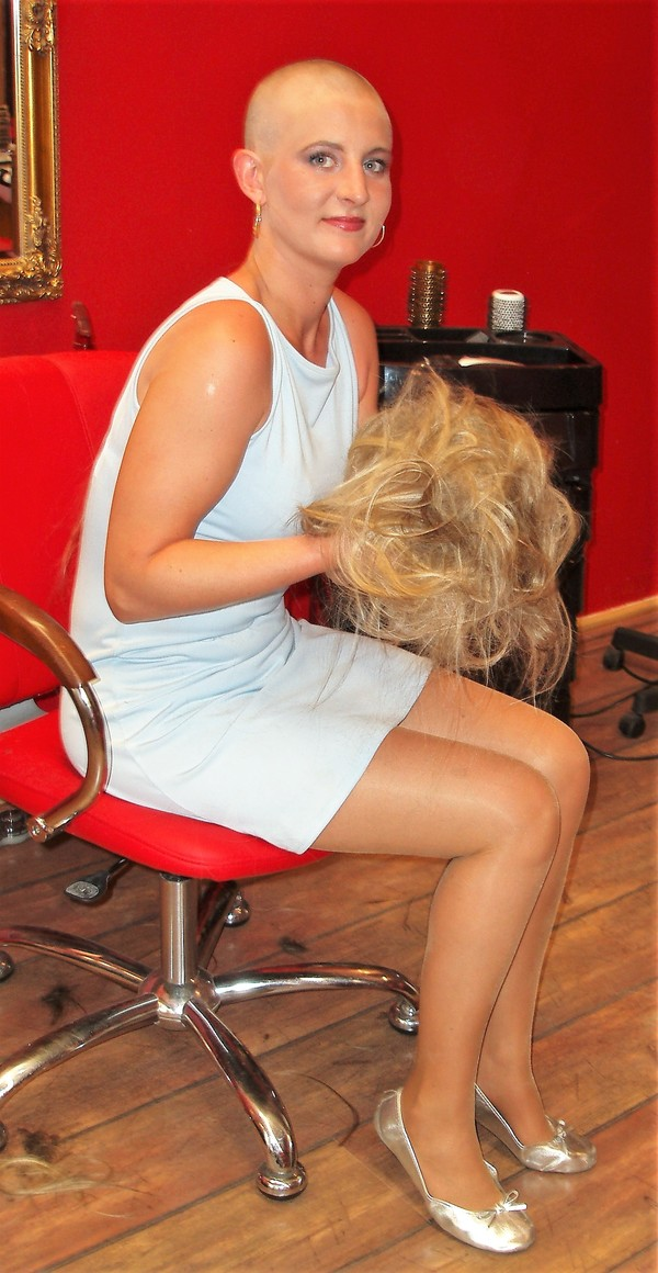 Ladies-Haircut: HCV50, © 2010 - Alle Rechte vorbehalten!