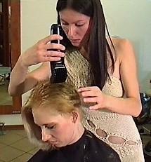 Ladies-Haircut: AV3-Material, Kamera 1, © 2002 - Alle Rechte vorbehalten!