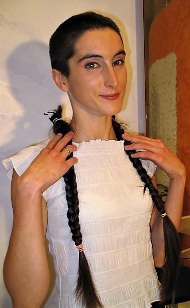 Ladies-Haircut: AV8, © 2005 - Alle Rechte vorbehalten!