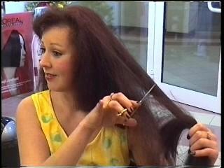Ladies-Haircut: AV2-Material, © 2002 - Alle Rechte vorbehalten!