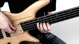 Fretless Blues Solo - Tab + Playback