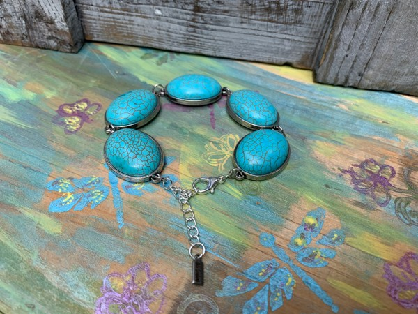 Oval Turquoise Howlite Silver Wire Chain Bracelet