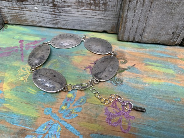 Silver Hammered Disc Wire Chain Bracelet