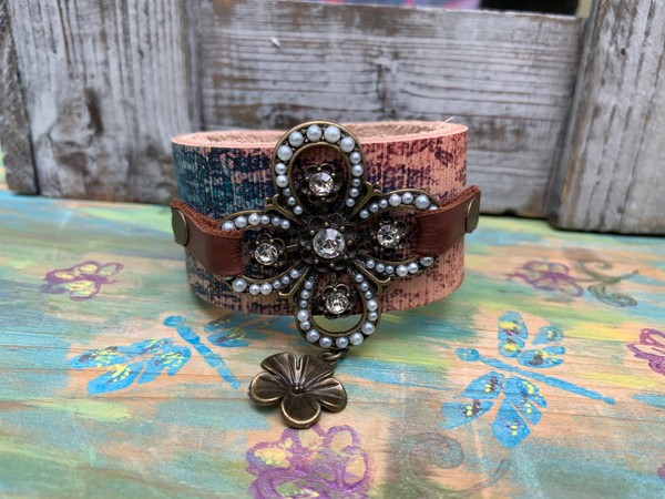Rhinestone Pearl Flower Pendant Boho Leather Design Cuff