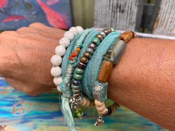 Set of 5 Stackable Bracelets