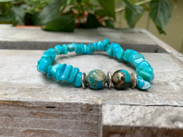 Imperial Turquoise Jasper and Turquoise Sea Chip Beaded Bracelet