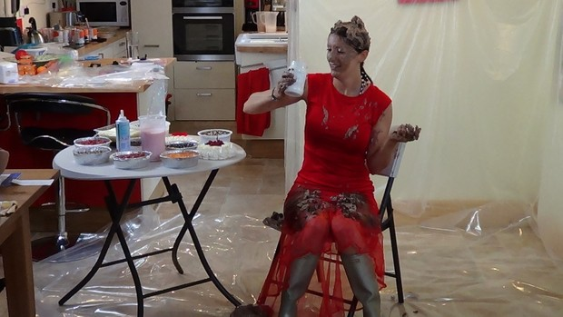 jess has a messy party