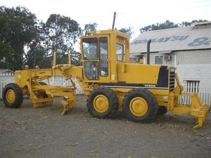 KOMATSU GD610, GD620, GD660, GD670 SERIES MOTOR GRADER SERVICE REPAIR MANUAL
