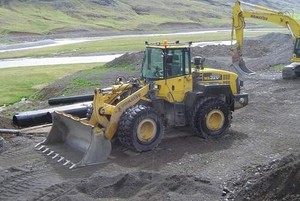 KOMATSU WA320-5 WHEEL LOADER SERVICE REPAIR MANUAL + OPERATION & MAINTENANCE MANUAL