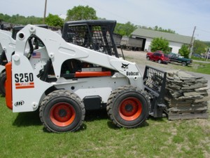 BOBCAT S250 TURBO, S250 TURBO HIGH FLOW SKID STEER LOADER OPERATION & MAINTENANCE MANUAL