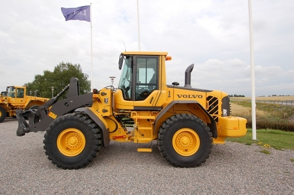 volvo l90f wheel loader service repair manual rh sellfy com Backhoe Loader Construction Loader