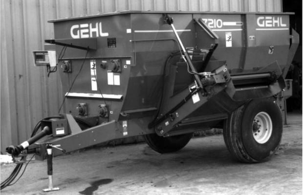 GEHL 7210 Mixer Feeder Parts Manual