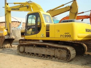 KOMATSU PC200-6 HYDRAULIC EXCAVATOR SERVICE REPAIR MANUAL + OPERATION & MAINTENANCE MANUAL