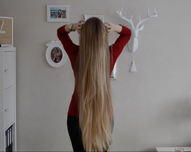 VIDEO - Premium blonde hair play, buns and braid