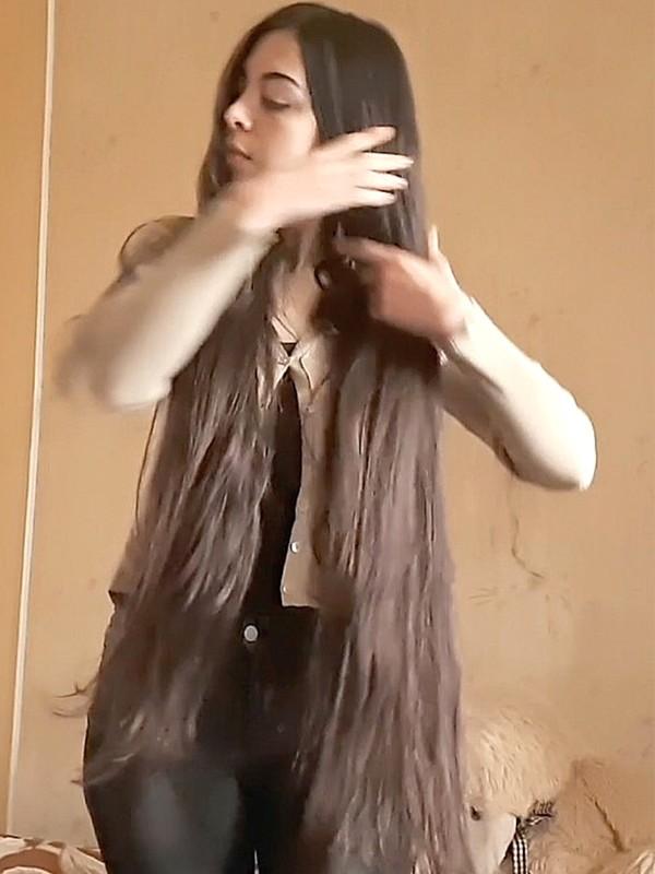 VIDEO - Elegant Mary