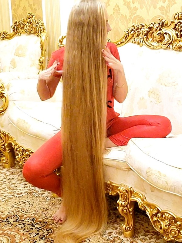 VIDEO - Long blonde hair wrapping