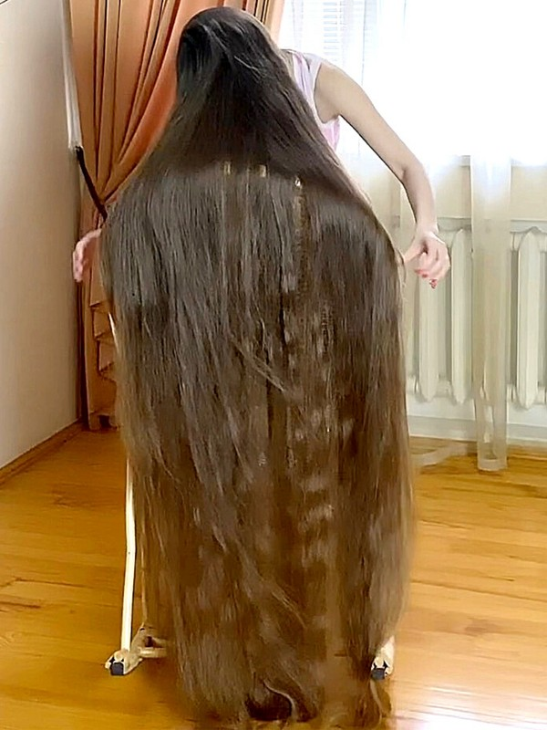 VIDEO - Soft and silky floor length hair covering