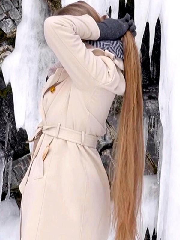 VIDEO - Norwegian Ice Rapunzel