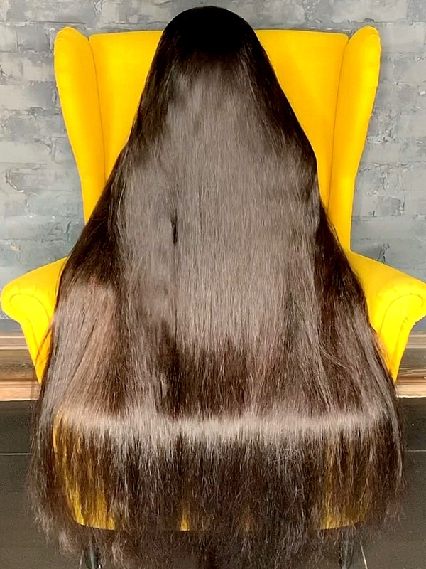 VIDEO - Very thick and long hair covering