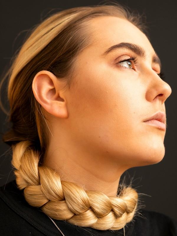 PHOTO SET - Iben's braid photoshoot