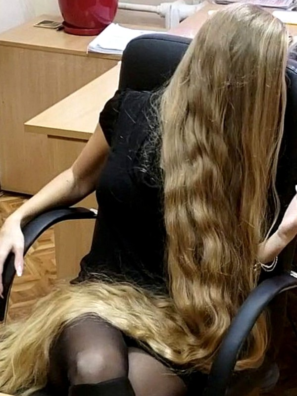 VIDEO - Office Rapunzel 8